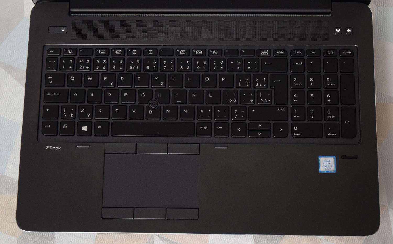 HP ZBook 15 G4 - pohľad na základňu