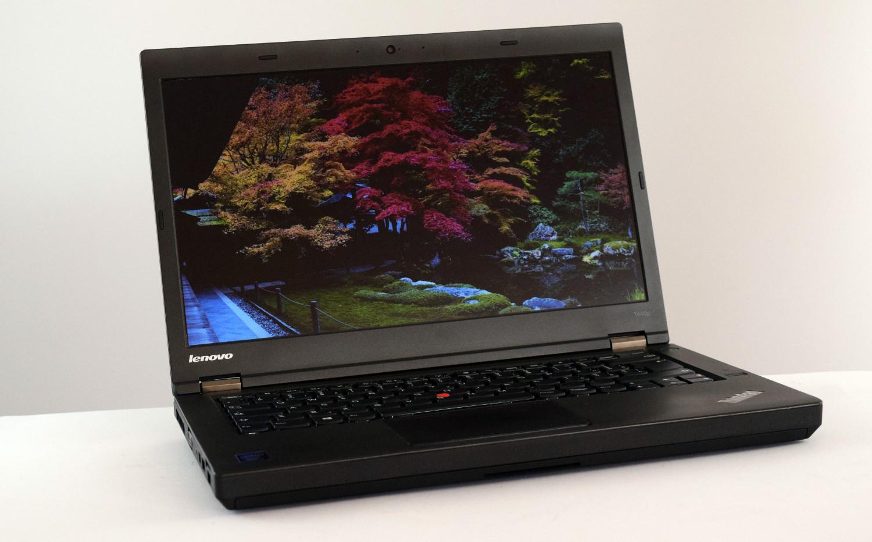 Lenovo ThinkPad T440p - pohľad spredu
